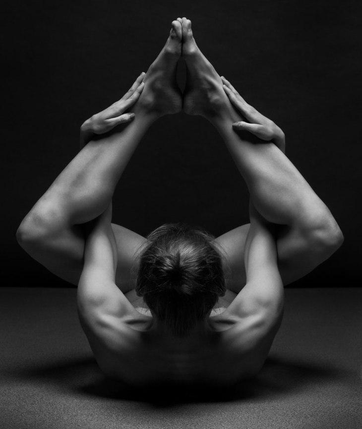 black-and-white-portraits-women-body-bodyscapes-anton-belovodchenko-16