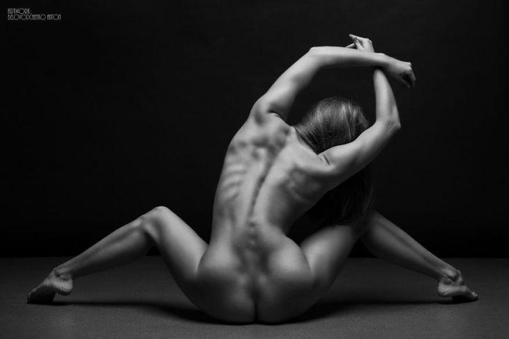 black-and-white-portraits-women-body-bodyscapes-anton-belovodchenko-4