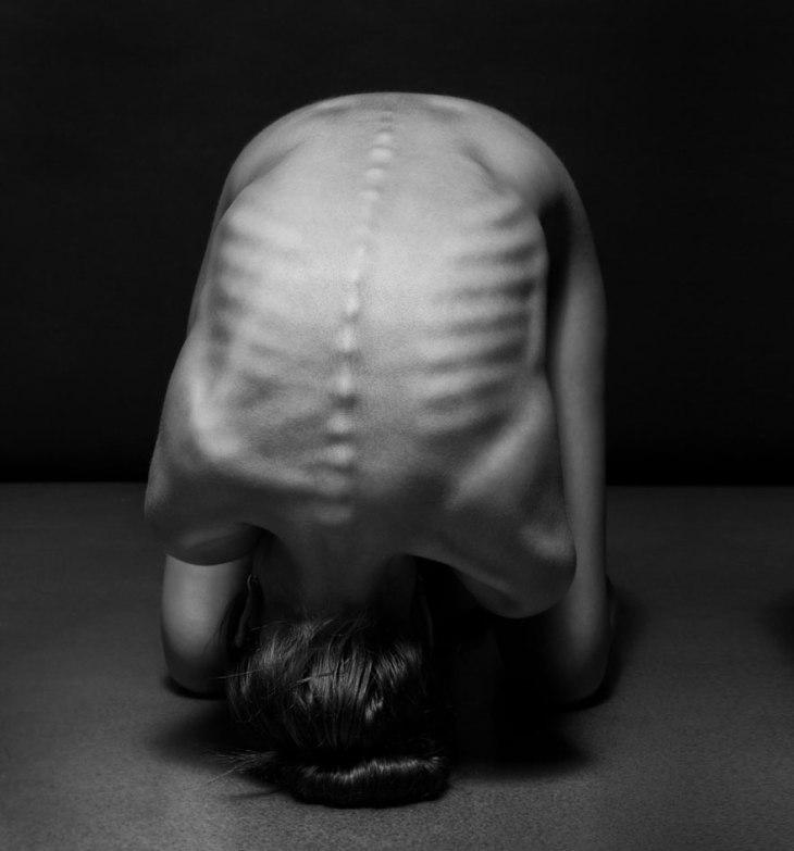 black-and-white-portraits-women-body-bodyscapes-anton-belovodchenko-9