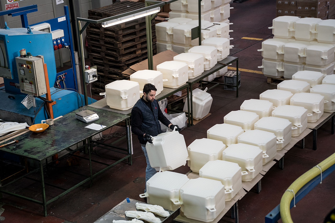 At a factory in Fondotoce at Lago Maggiore, 200,000 high-density polyethylene cubes are manufactured over a period of eight months before delivery to project work site in Montecolino, January 2016. Photo by Wolfgang Volz.