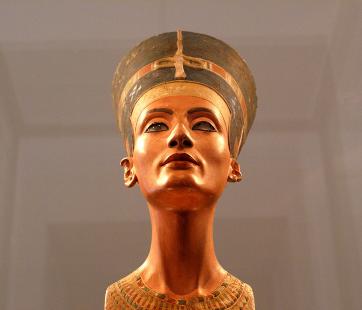 Queen Nefertiti bust | 3400-year-old